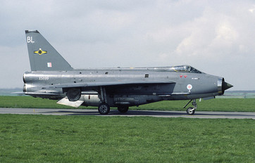 XS899 - Royal Air Force English Electric Lightning F.6