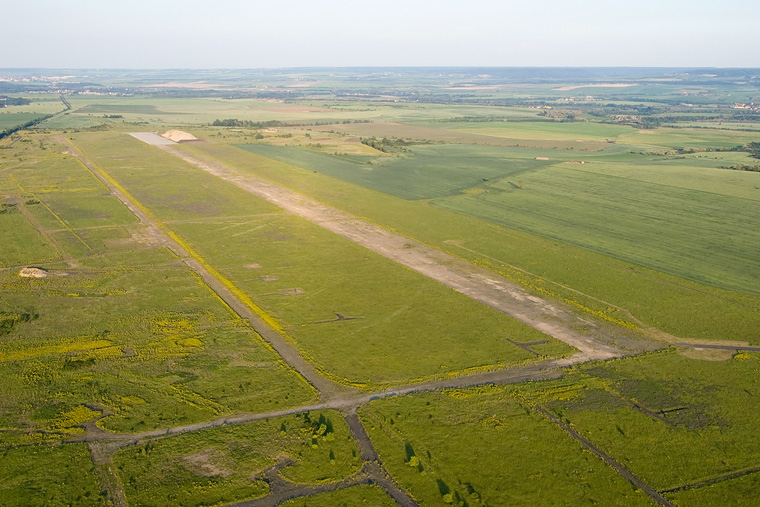- Airport Overview - aircraft at Žatec
