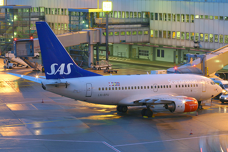 SAS - Scandinavian Airlines LN-RPU aircraft at Düsseldorf