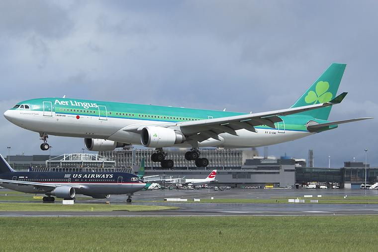 Aer Lingus EI-EWR aircraft at Dublin