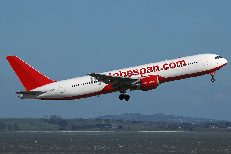 Flyglobespan ZK-NCH aircraft at Auckland Intl