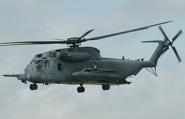 69-5796 - USA - Air Force Sikorsky MH-53M Pave Low