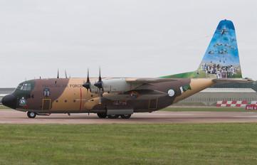 64144 - Pakistan - Air Force Lockheed L-100 Hercules