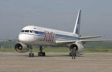 RA-64022 - KMV Tupolev Tu-204