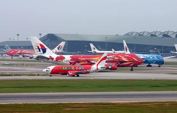 9M-AAX - AirAsia (Thailand) Boeing 737-300