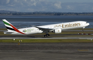 A6-EBM - Emirates Airlines Boeing 777-300ER