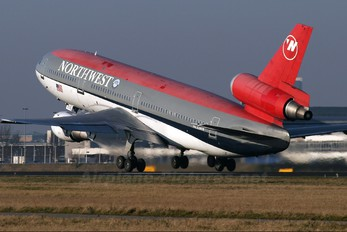 N235NW - Northwest Airlines McDonnell Douglas DC-10