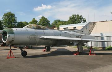 0813 - Czech - Air Force Mikoyan-Gurevich MiG-19P