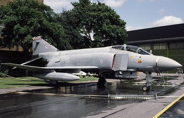 XV411 - Royal Air Force McDonnell Douglas F-4M Phantom FGR.2