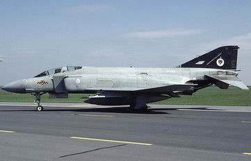 ZE353 - Royal Air Force McDonnell Douglas F-4J(UK) Phantom F.3
