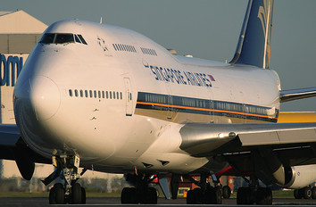 9V-SPF - Singapore Airlines Boeing 747-400