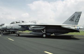 163220 - USA - Navy Grumman F-14A Tomcat
