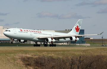 C-GDVZ - Air Canada Airbus A340-300