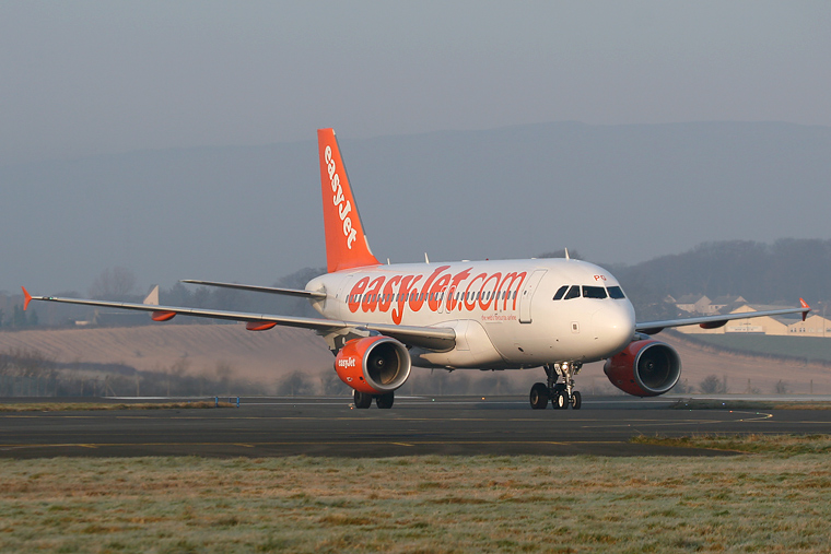 easyJet G-EZPG aircraft at Glasgow