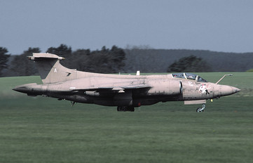 XW533 - Royal Air Force Blackburn Buccaneer S.2B