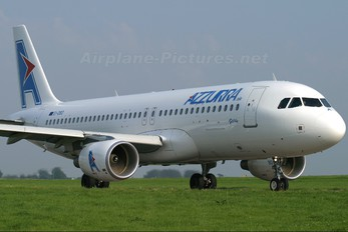 EI-DBD - Azzurra Air Airbus A320