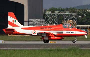 U2471 - India - Air Force Hindustan HJT-16 Kiran II