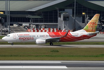 VT-AXU - Air India Express Boeing 737-800