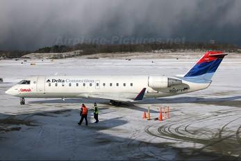 N954CA - Delta Connection - Comair Canadair CL-600 CRJ-200