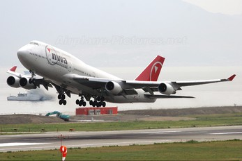 N668US - Northwest Airlines Boeing 747-400