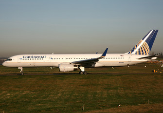 N13110 - Continental Airlines Boeing 757-200