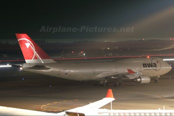 N669US - Northwest Airlines Boeing 747-400