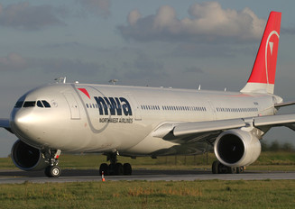 N810NW - Northwest Airlines Airbus A330-300