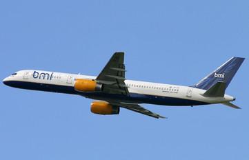 TF-FII - BMI British Midland Boeing 757-200