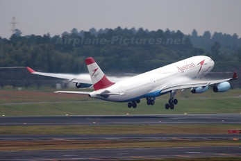 OE-LAG - Austrian Airlines/Arrows/Tyrolean Airbus A340-200
