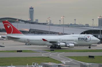 N668US - Northwest Airlines Boeing 747-400