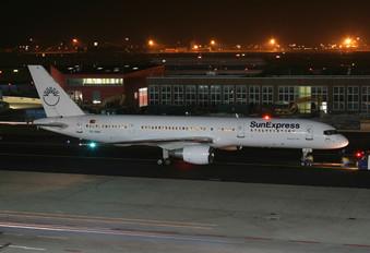 TC-SNA - SunExpress Boeing 757-200