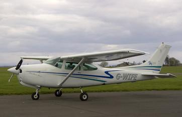 G-WIFE - Private Cessna 182 Skylane RG