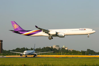 HS-TNA - Thai Airways Airbus A340-600
