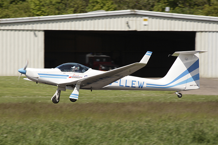 Private G-LLEW aircraft at Fife - Glenrothes