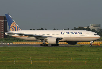 N78008 - Continental Airlines Boeing 777-200