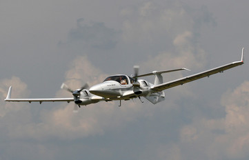 OK-TPF - Private Diamond DA 42 Twin Star