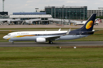 VT-JGW - Jet Airways Boeing 737-800