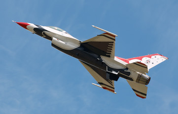 - - USA - Air Force General Dynamics F-16C Fighting Falcon