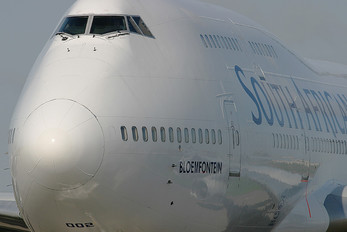 ZS-SAW - South African Airways Boeing 747-400