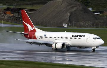 ZK-JNO - QANTAS Boeing 737-300