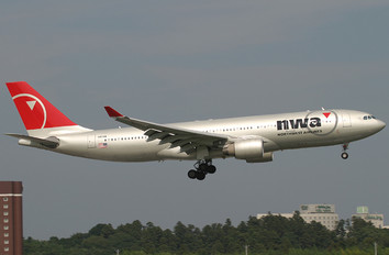 N851NW - Northwest Airlines Airbus A330-200