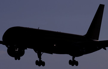 - - Unknown Boeing 757-200
