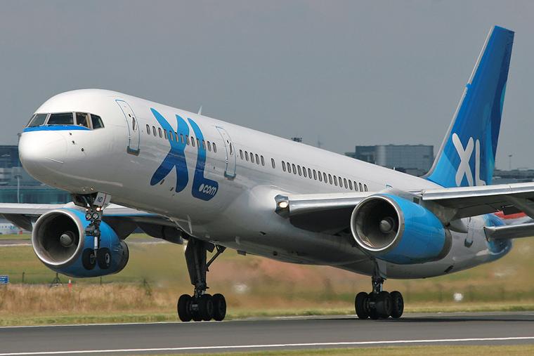 G vknd xl airways excel airways boeing 757 200 at for Interieur boeing 757