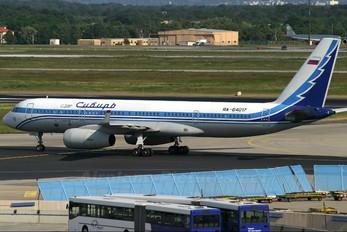 RA-64017 - Siberia Airlines Tupolev Tu-204