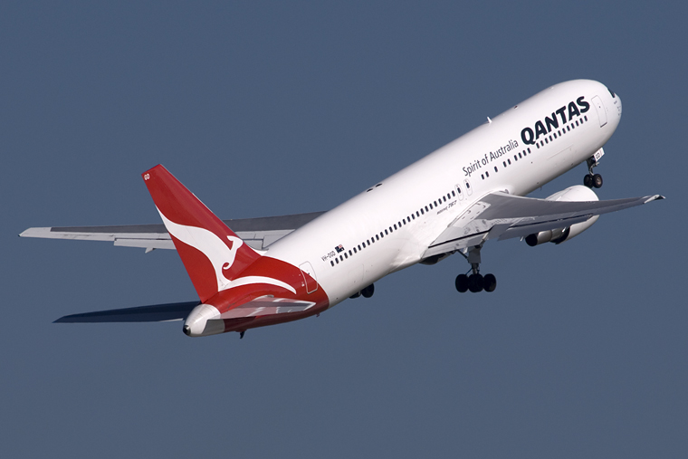 image gallery qantas airplane