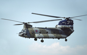 ZA671 - Royal Air Force Boeing Chinook HC.2