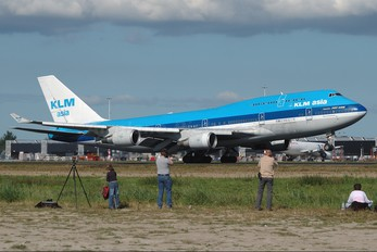 - - KLM Asia Boeing 747-400