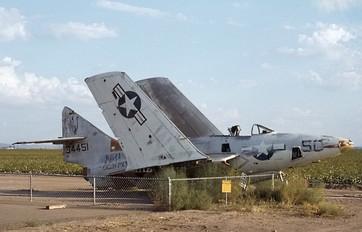 134451 - USA - Navy Grumman F-9 Cougar
