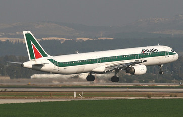 I-BIXI - Alitalia Airbus A321