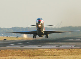 N573AA - American Airlines McDonnell Douglas MD-82
